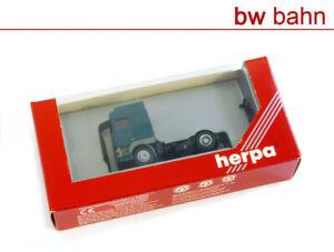 Herpa-h0-143240-DAF-95-solo-tractor-turquesa