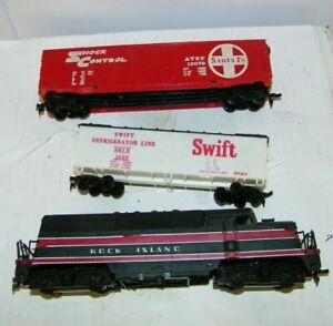 3-vintage-HO-scale-train-cars-amp-dummy-locomotive-Swift-Refer-amp-Santa-Fe