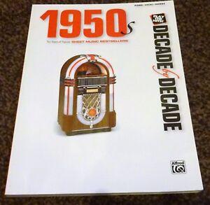1950 Décennie Par Décennie-music Book For Piano Vocal Guitar Chords-afficher Le Titre D'origine Qualité Et Quantité AssuréE