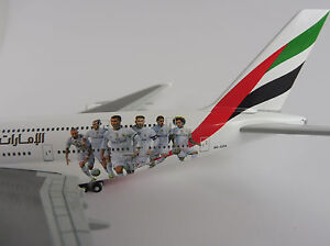 Emirates-Airbus-A380-800-Real-Madrid-1-500-Herpa-529242-A-380-A380-A6-EOA