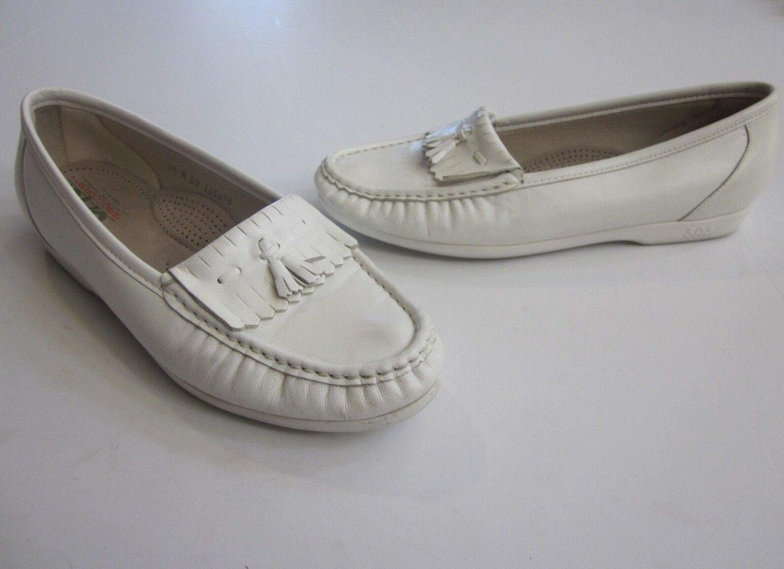 SAS White Leather On Slip On Leather Walking Kiltie Tassel Moc Loafer Shoes Sz. 9.5 (C03) ed3c70
