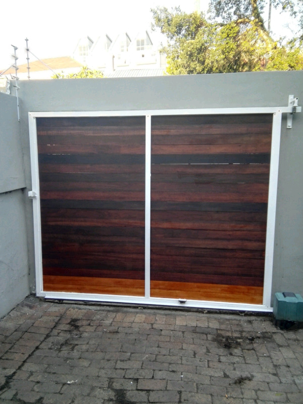 Welding: Gates, Fencing, Wall spikes, Balustrades, Repairs and Install