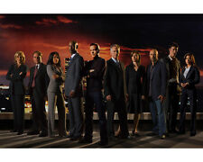 Kiefer Sutherland & Cast (23608) 8x10 Photo