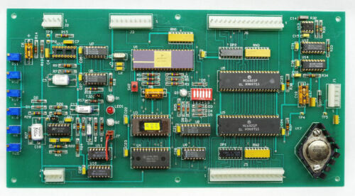 Motorola MC6801L1 Gold Ceramic Microprocessor on Board with MC6821P Chips