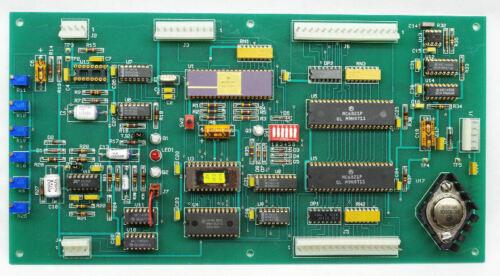 Motorola MC6801L1 Gold Ceramic Microprocessor on Board with MC6821P Chips