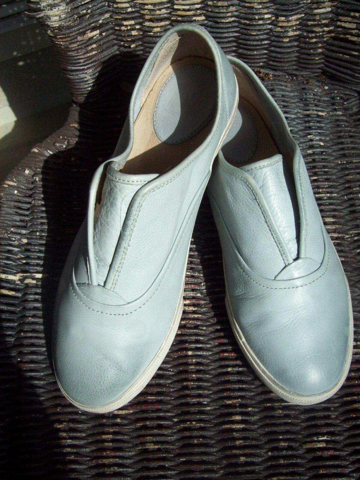 FRYE Women's 'Kerry' Slip On shoes - bluee Size 8.5M NO BOX MSRP  150