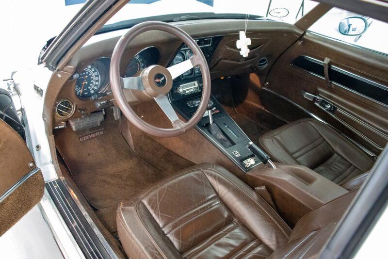Chevrolet Corvette V8 Stingray - 7