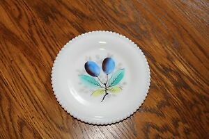 Westmoreland-Beaded-Edge-Fruit-Bread-and-Butter-Plate-034-Plums-034-6-1-4-034-W-G-marked
