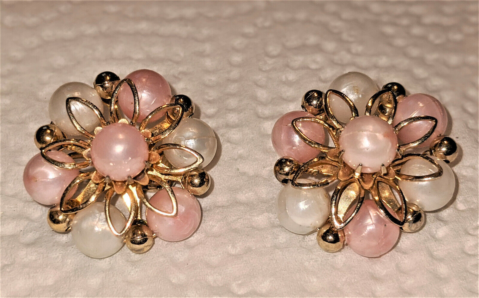 Vintage Coro Faux Pearl Ivory and Peach Bead Clip… - image 6