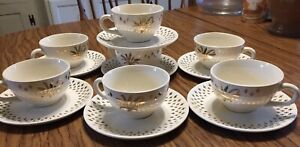 VINTAGE-14-PC-Golden-Wheat-22kt-GOLD-Plates-Saucers-and-Tea-Cups