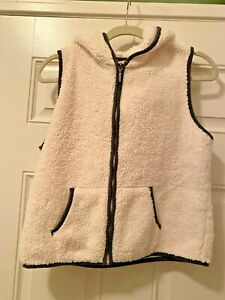 MUDD fleece Fuzzy White Vest Zip front Girls Plus 16.5