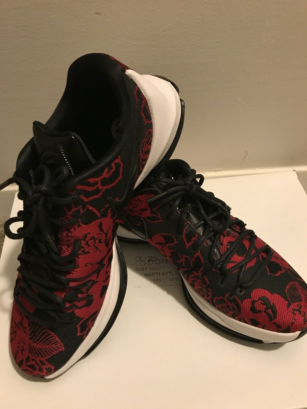 New Nike KD Mens Shoes 9.5. Red Floral US Size 9.5. Shoes 806393-004 69dc21