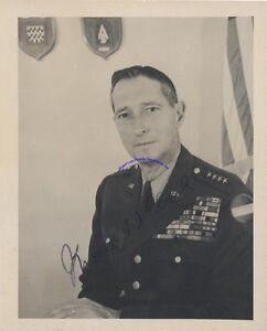 WW2-Army-general-Mark-Clark-signed-4-034-x-5-034-photo-in-4-star-Army-uniform