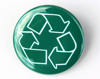 "Button Pinback Badge 1.5/"" Green FREE HUGS"