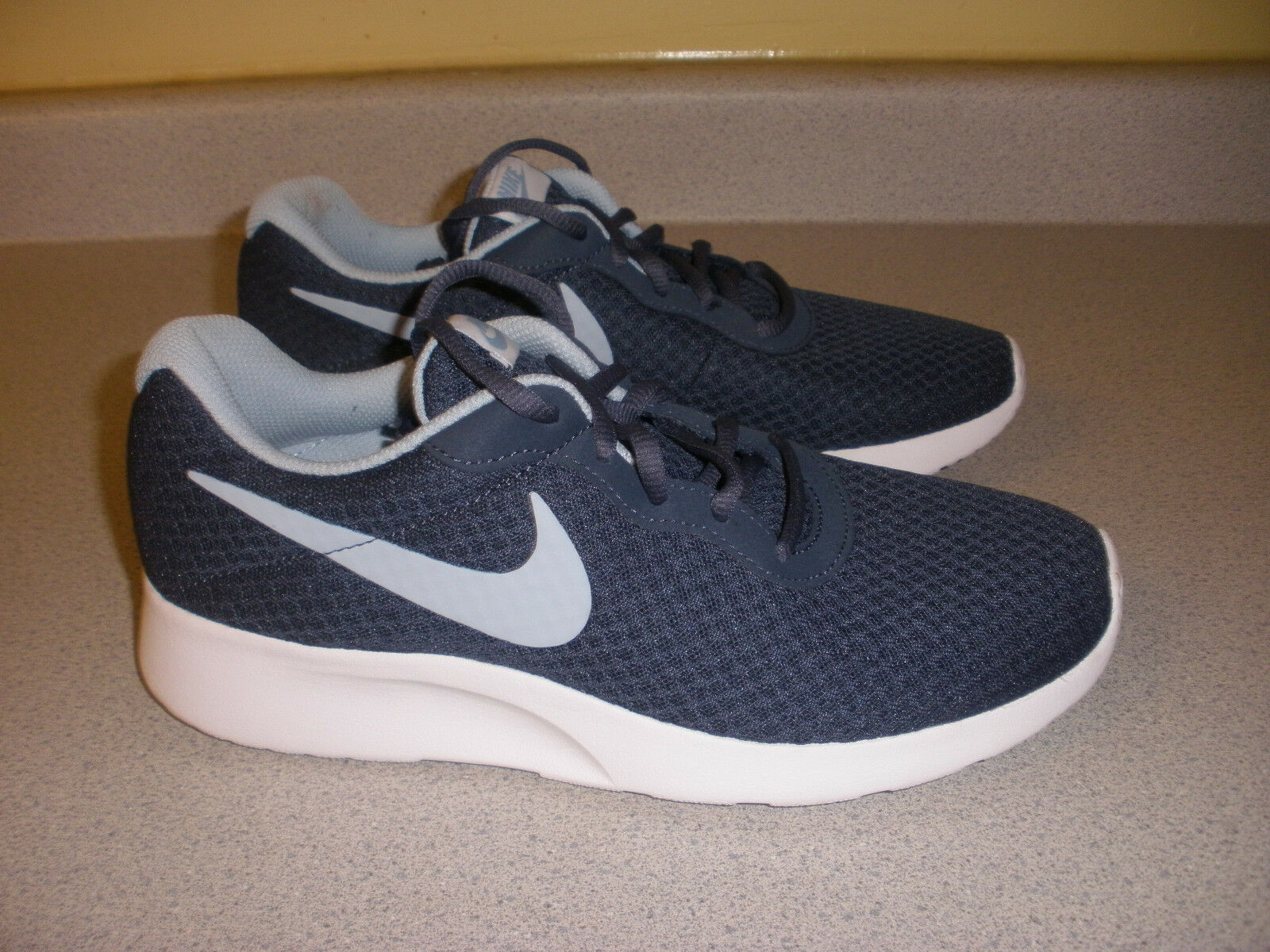 812655-404 Men's Nike Lace Up Running shoes Size 9.5 blueE WHITE