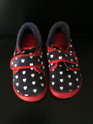 Girls new Clarks Doodles Slippers in size 8F