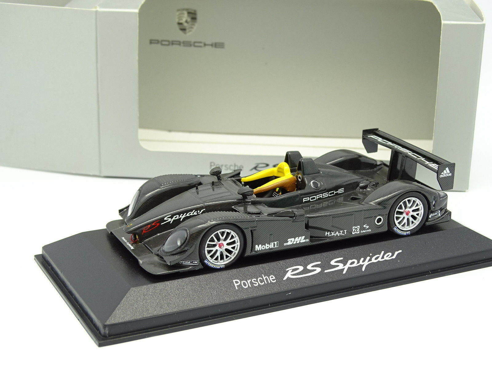 Minichamps 1 43 - Porsche RS Spyder carbone