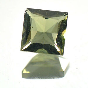 0,82cts square princess cut 6mm moldavite faceted cutted gem BRUS703