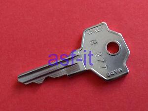 Kleiner Kühlschrank Liebherr : Schlüssel für liebherr gewerbe flaschenkühlschrank kühlschrank nr