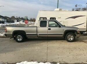 99 Silverado 2wd 5.3L 180,558 kms Ext cab long box