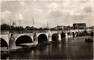 CPA-Tours-Le-Pont-sur-la-Loire-611786