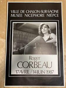 SIMONE-SIGNORET-ROGER-CORBEAU-AFFICHE-ORIGINALE-1987-MUSEE-NIEPCE
