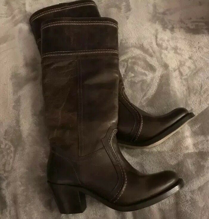 Frye Brown Distresses Leather Boots Size 6.5    Perfect Condition