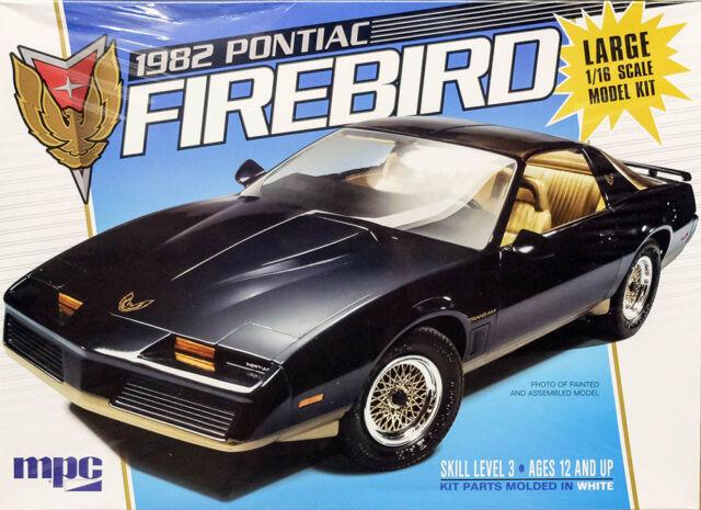 1982 Pontiac Firebird muscle car large 1:16 MPC model kit kit mpc858