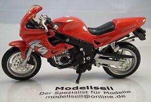 Motorrad-Triumph-Sprint-RS-955i-im-Massstab-1-18-von-Maisto-Modellmotorrad