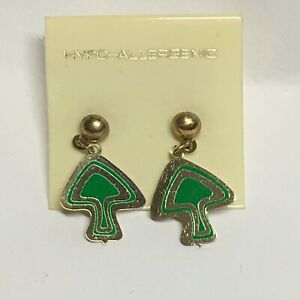 Vintage-Green-Mushroom-Dangle-Earrings-Retro-Pierced-Hypo-Allergenic