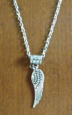collier chaine argenté 46,5 cm avec pendentif aile d'ange