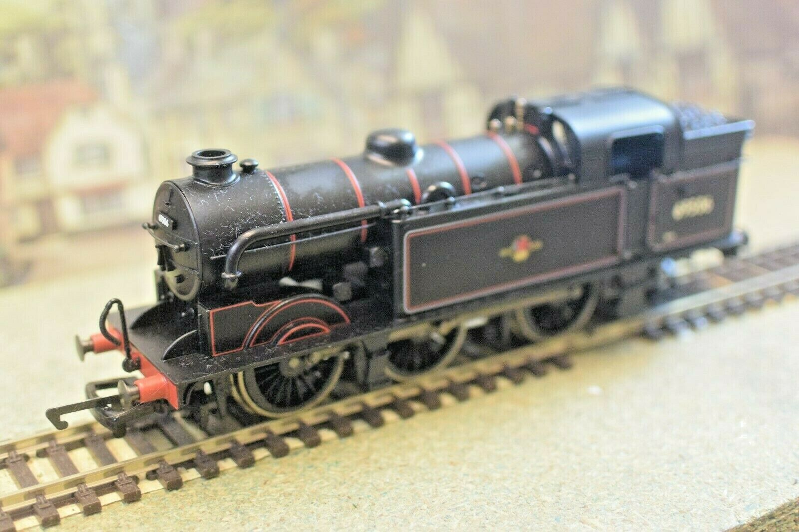 Hornby R2178A BR 0-6-2 Class N2 Locomotive 69546