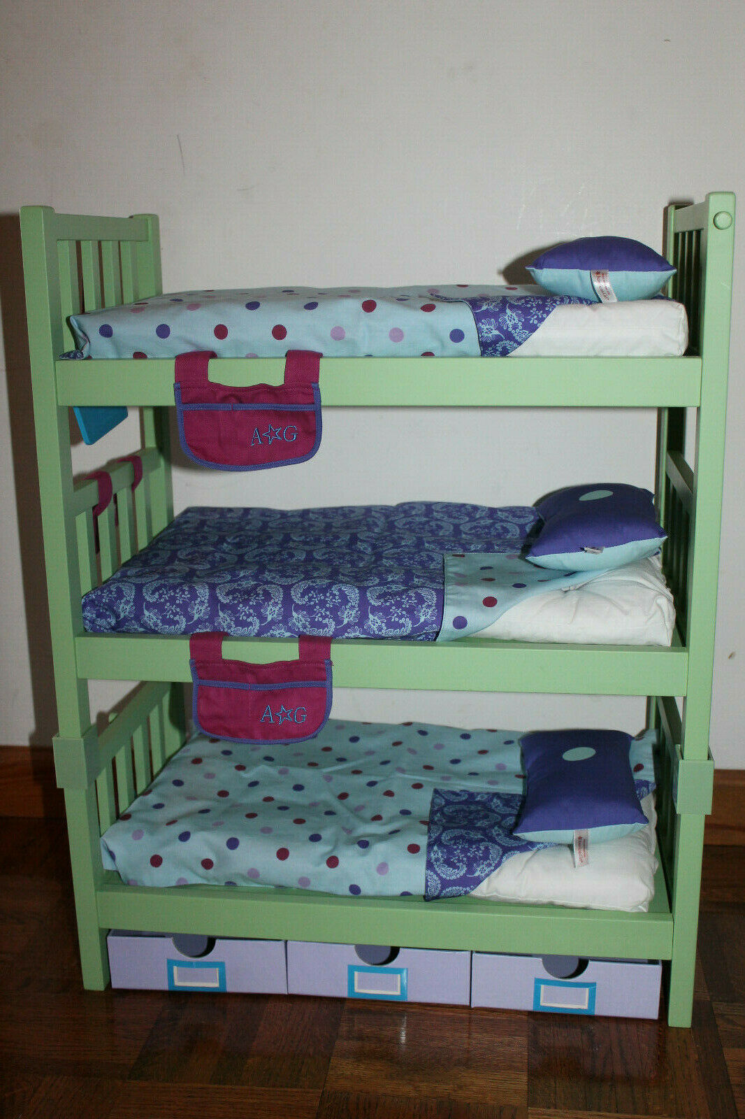 American Girl 18  Doll Grün Camp Lake Triple Bunk Beds Bedding & More