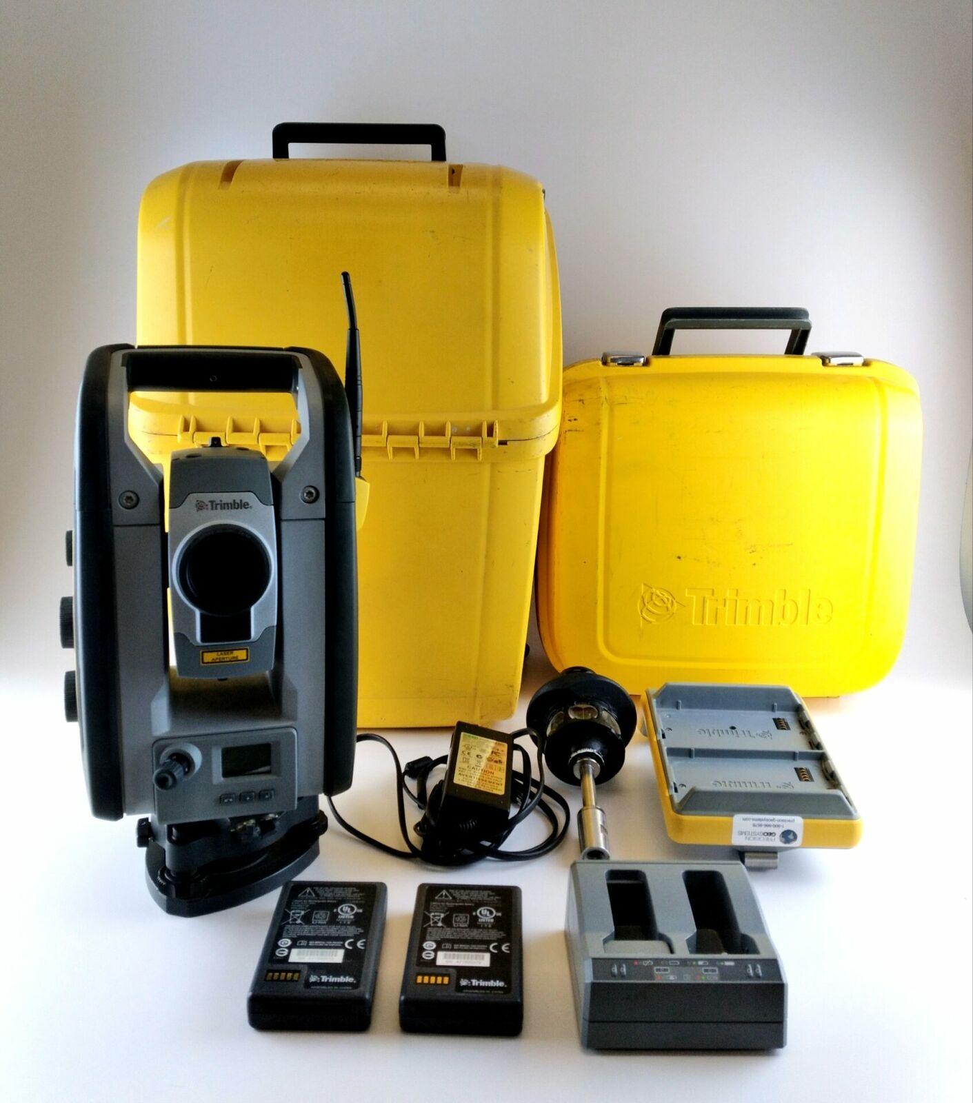 "Trimble RTS555  DR WLAN 5""/5"" Robotic Total Station Kit"