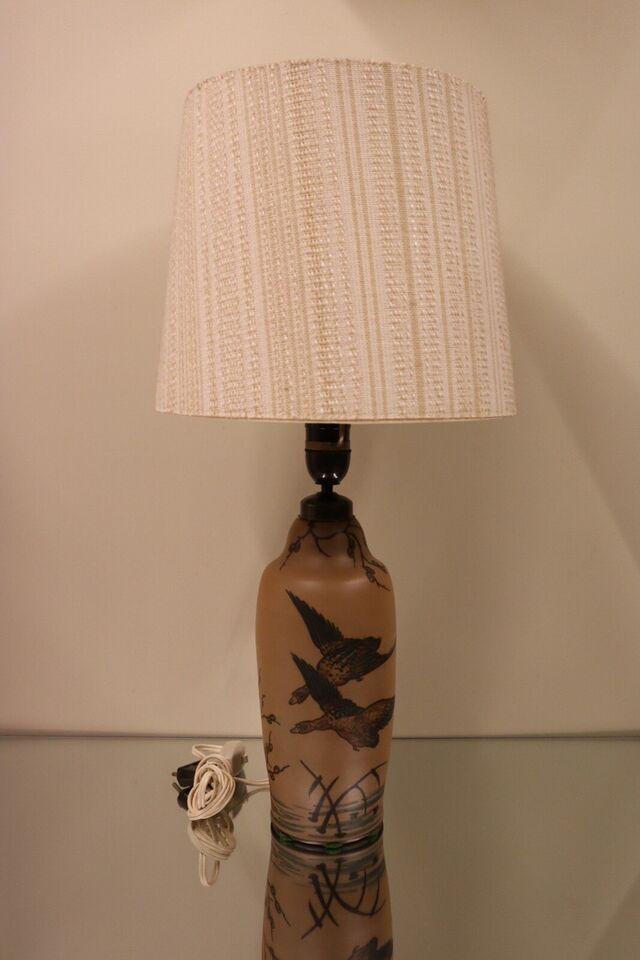 Anden bordlampe, Hjort