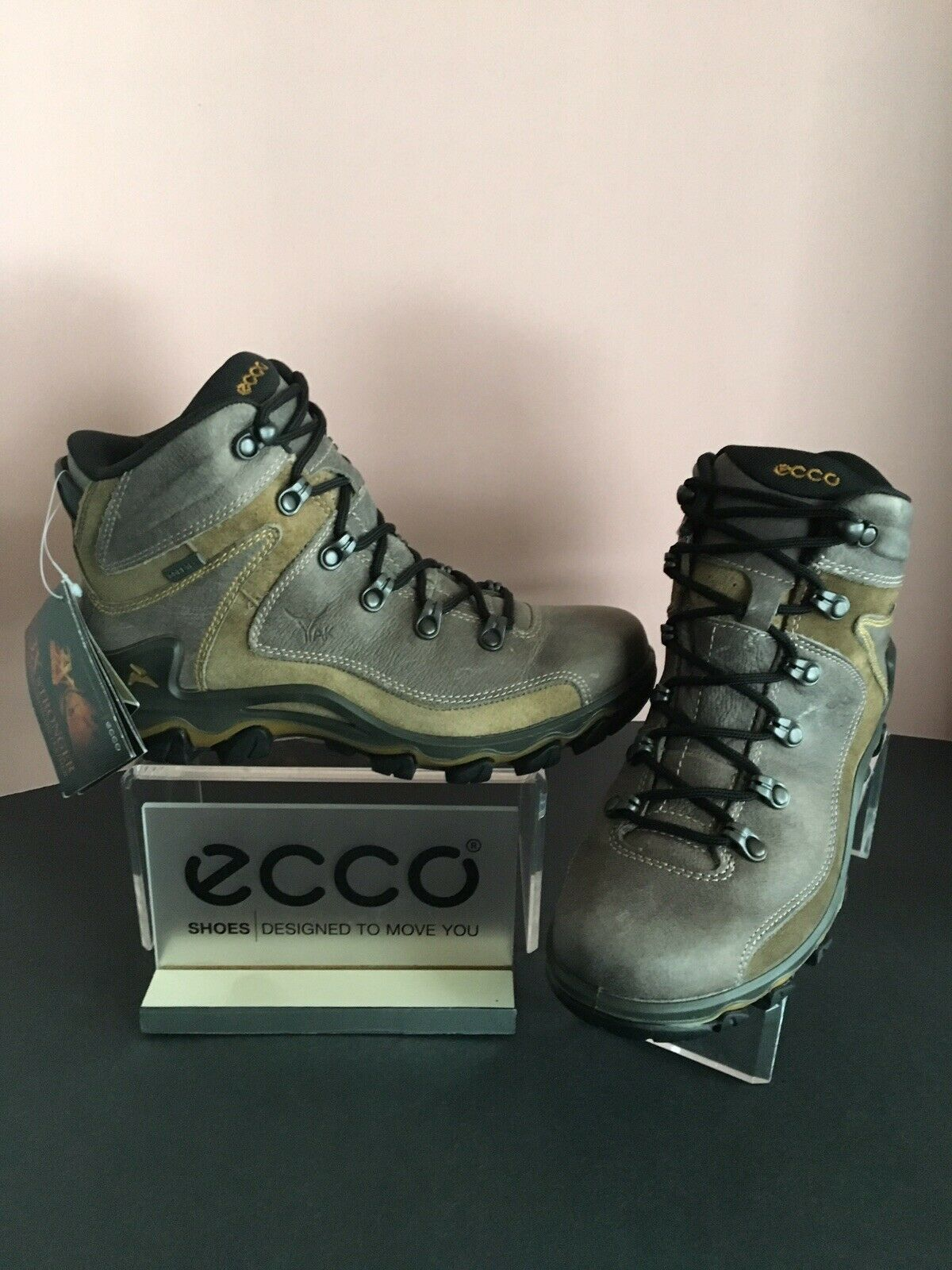 Ecco Women's Terra Dhaka Gore-Tex Mountaineering Mid  Boot, Select Size  top brand