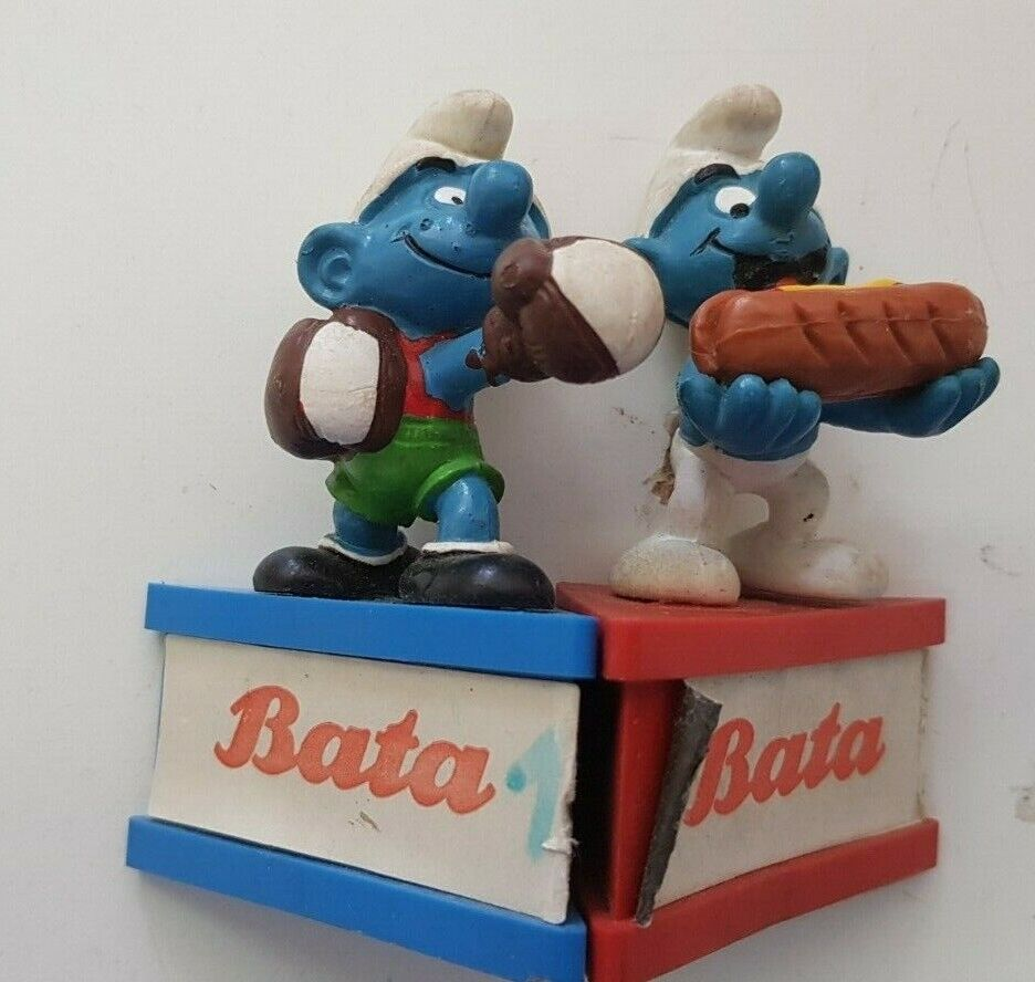 Lot 2 smurfs 1980-schleich-boxer  and gourhommed-bata stand  magasin d'offre