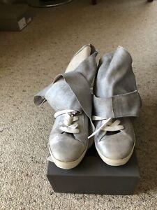 CINZIA-ARAIA-034-Rabbit-034-Metallic-soft-wrap-sneakers-Sz-40-BNWT-RRP-699