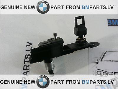 GENUINE OEM BMW E46 TOURING REAR WIPER BEARING WIPERSHAFT PIVOT 61628220831