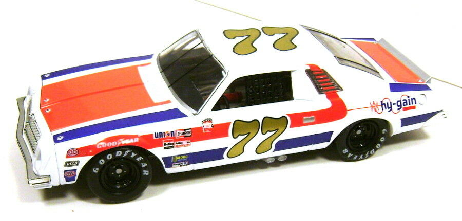 Action - Dale Earnhardt Sr.  77 Chevy Malibu HY-Gain 1976 1 24 NASCAR Diecast