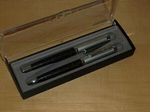 Set-von-Online-Kugelschreiber-und-Fuellfederhalter