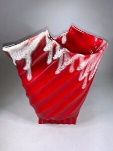 Vtg-Hand-Made-Hollywood-Ceramics-CA-Pottery-Art-Red-Vase-White-Drip-UNIQUE-a280