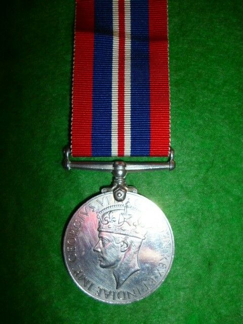UK / Britain - The War Medal WW2 - Near EF Condition