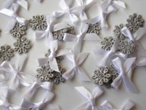 25 blanc ruban 22MM de large /& 25 argent guipure dentelle fleur largeur 12MM