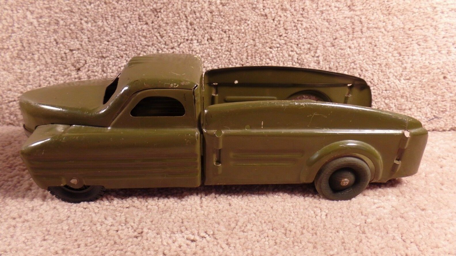 Buddy   L  Company Pressed Steel Olive Olive Green Army Troop Transport Carrier Truck