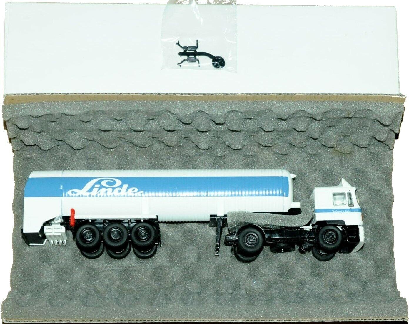 1 50 Scale Conrad MAN F2000 4 x 2 Tractor Unit & Gas Tanker - LINDE - MIB