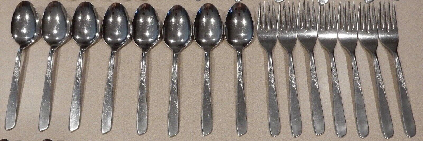 Vintage Oneida Oneida Oneida Stainless Lightweight Flatware 54 Pc. Lot 16e9ad