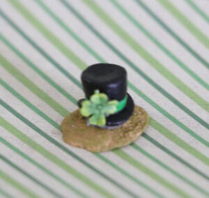 Wee-Forest-Folk-007-Tiny-Top-Hat-Retired
