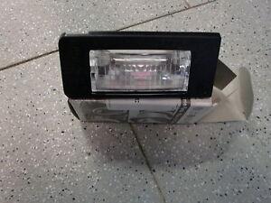 Original Audi TT Typ 8N Kennzeichenleu<wbr/>chte links 8N0943021A