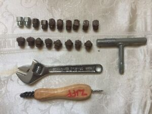 Horseshoe Studs & Install Tools Farrier Fox Hunter Eventer Grass Ice Traction